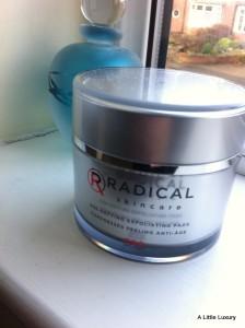 Radical Skincare Age-Defyin Exfoliating Pads
