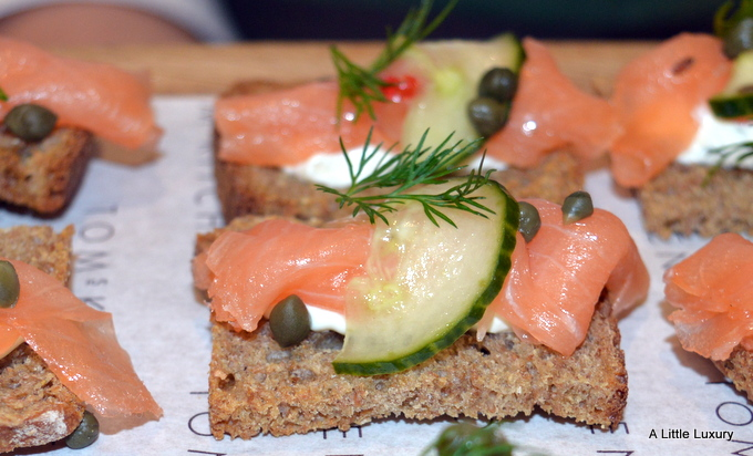 smoked salmon with capers