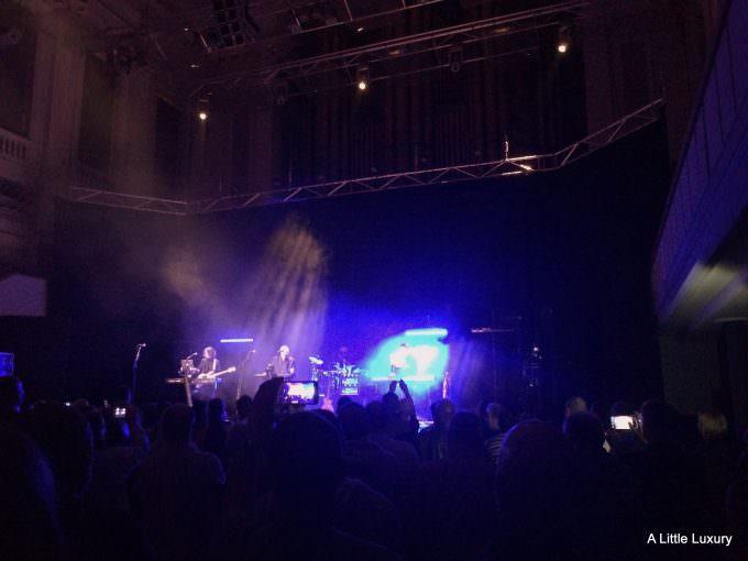 midge ure on stage