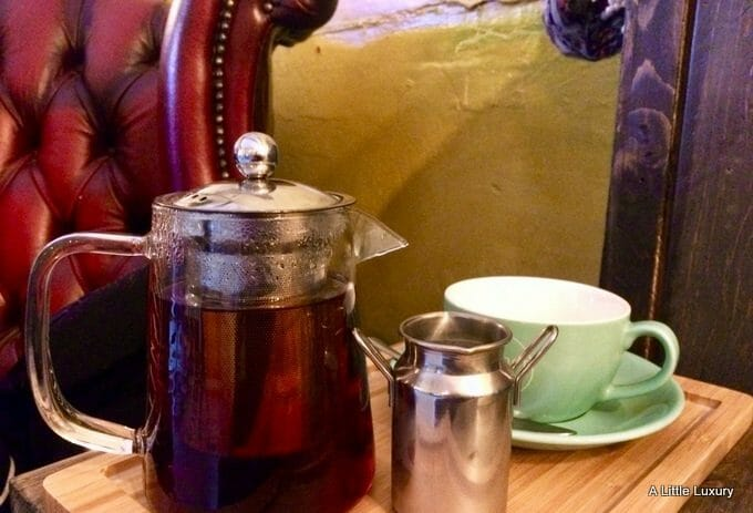 tea pot at why not coffee bearwood