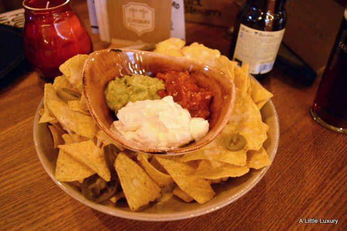 main course size nachos