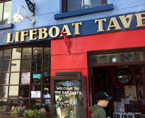 Lifeboat Tavern exterior