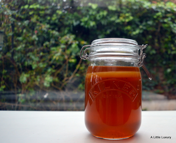 fermenting kombucha